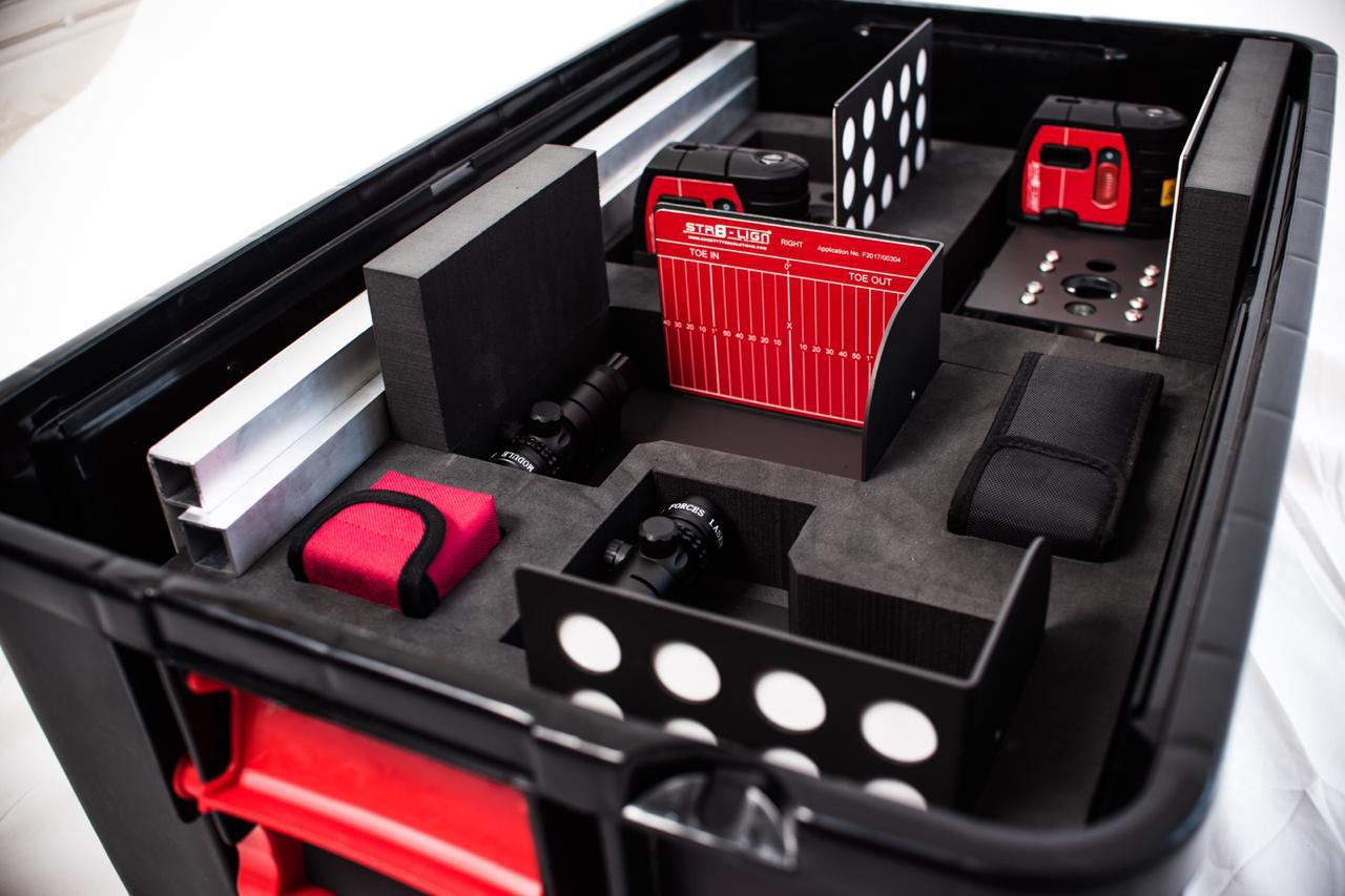 STR8-LIGN truck alignment system neatly packed into a durable and portable case.